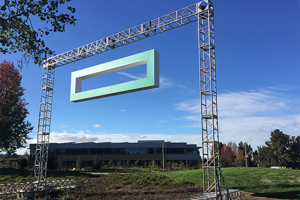 A temporary Hewlett Packard Enterprise logo is raised at the Palo Alto headquarters to mark the first day of the new company. CREDIT: Hewlett Packard Enterprise.